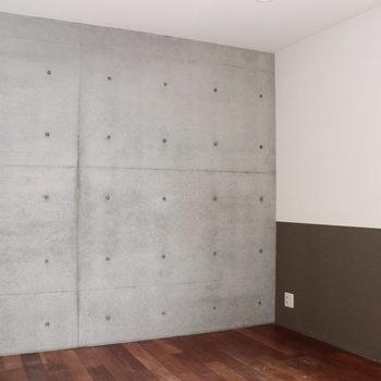 【2階】壁は打っぱなしのところも