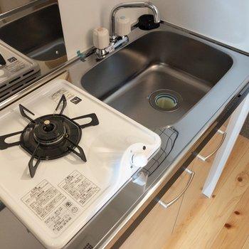 キッチンはコンパクト※写真は前回募集時のものです