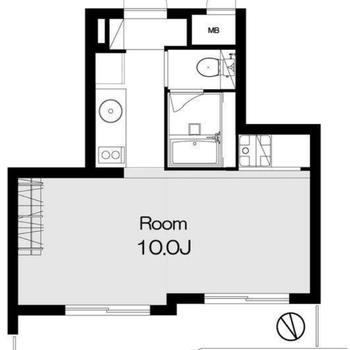 大きな窓が2つある約10帖の居室です