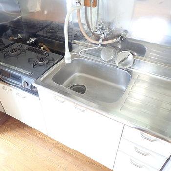 【LDK】調理スペースがしっかりあるところがうれしい。※コンロは設備になります