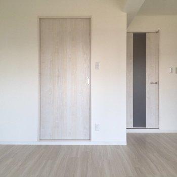 ここの扉を開けると…