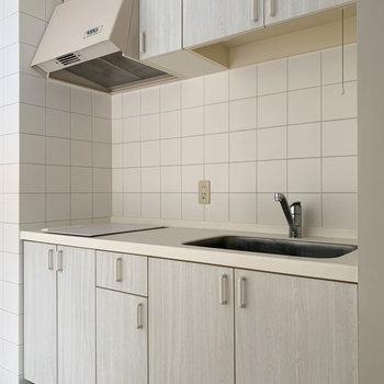 【LDK】二口IHのキッチン。今時な一面もあるんです。