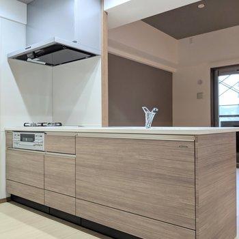 対面キッチンがやっぱりいいよね。(※写真は工事中のものです)