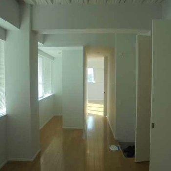 迷路に迷い込んだよう※写真は9階の同間取り別部屋のものです