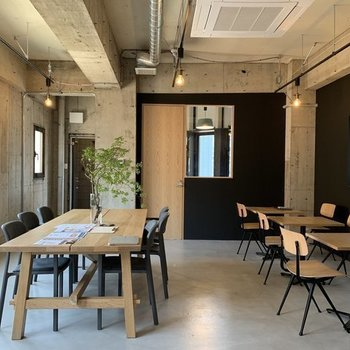 【写真はイメージです】ラウンジはカフェのような居心地の良いオフィス。コミュニケーションも生まれそう。