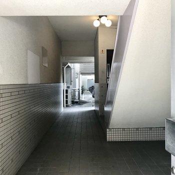 1階入り口奥に駐輪場がありました。