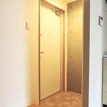 玄関のタイルがかわいいですね~※写真は3階同間取り別部屋のものです