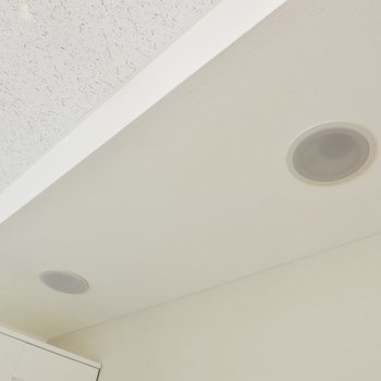 【防音室】スピーカーは天井についていました※写真は3階同間取り別部屋のものです