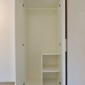 【防音室】収納はややコンパクト※写真は3階同間取り別部屋のものです