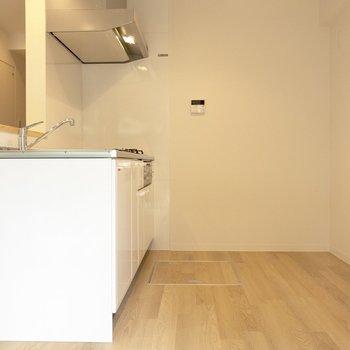【LDK】キッチンスペースも広々としています