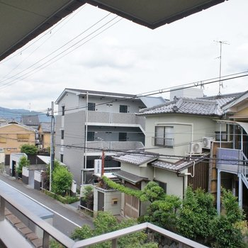 住宅が並ぶ眺望。