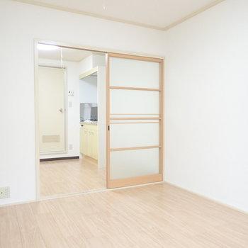 ベッドも置けますね※写真と文章は3階同間取り別部屋のものです。細部は異なることがあります。