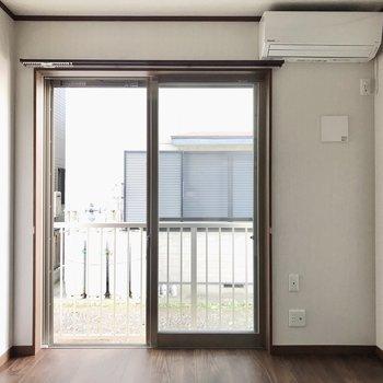 居室に入ると…エアコン付きです。