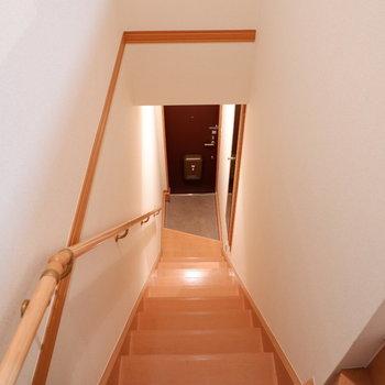 玄関は1階に。