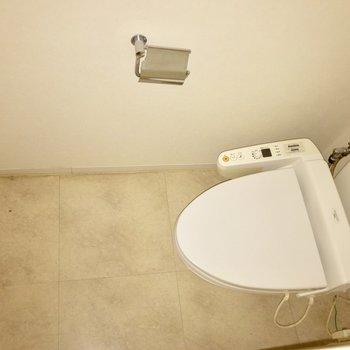 トイレも少し広々サイズです ※写真は通電前のものです。