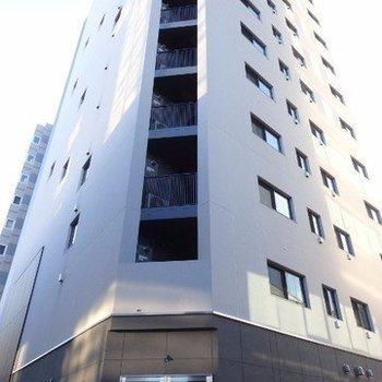 15階建てのマンション。