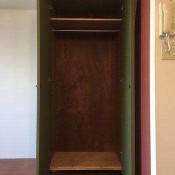 可動式です。※写真は4階の同間取り別部屋のものです