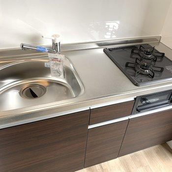 システムキッチン〜お料理もはかどりそう(※写真のお部屋は2階同間取り別部屋のものです)