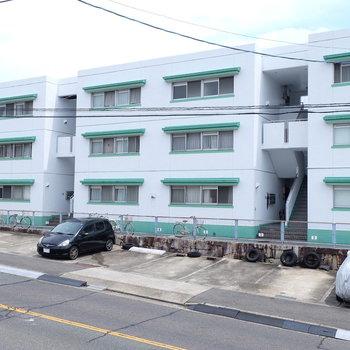 建物はちょっぴりレトロです。