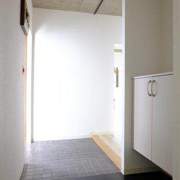 広い玄関です