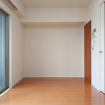 ゆったり居室だな〜!※写真は11階の反転間取り別部屋のものです