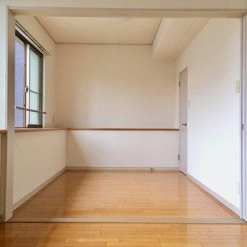 おとなりは洋室。ベッドスペースはこちらに。