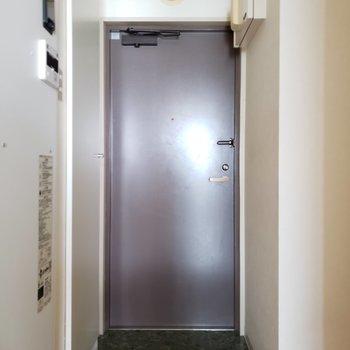 玄関の段差は少し高め