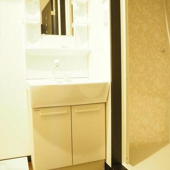 サニタリーは清潔感が大事。※写真は3階の同間取り別部屋のものです
