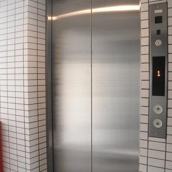 エレベーターがあるので移動は楽々!