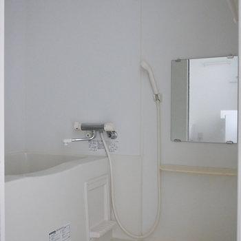 浴室はシンプルに。