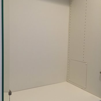 収納は廊下にあります※写真は1階の反転間取り別部屋のものです