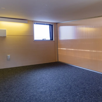【ロフト】こちらを寝室にしても良さそう。※写真は前回募集時のものです