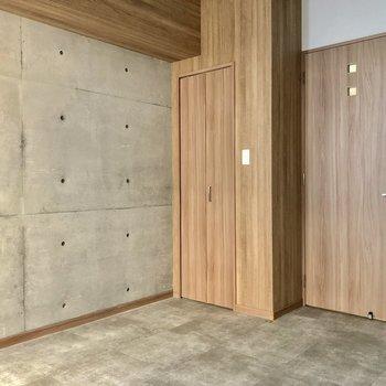和モダンをイメージしたお部屋。(※写真は6階の同間取り別部屋のものです)
