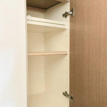 シューズボックスは物足りないサイズ。(※写真は9階の同間取り別部屋のものです)