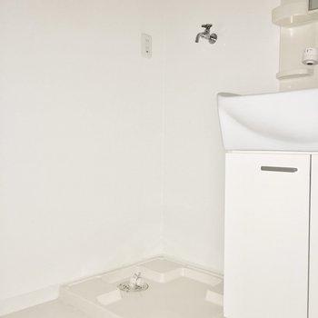そのお隣に洗濯パン。(※写真は9階の同間取り別部屋のものです)