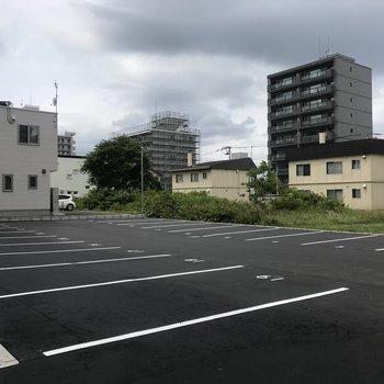駐車場はこんなに広い!嬉しい!
