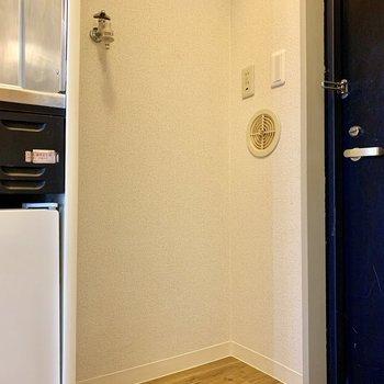 洗濯機置場は玄関横※ 写真は前回募集時のものです