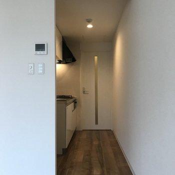 廊下の途中にキッチン