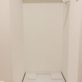 洗濯機置場はトイレ横。※写真は3階の同間取り別部屋のものです