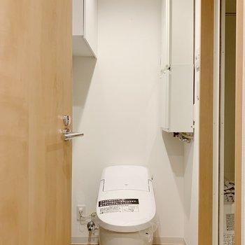 トイレで作曲なんかもできちゃいそう?※写真は3階の同間取り別部屋のものです