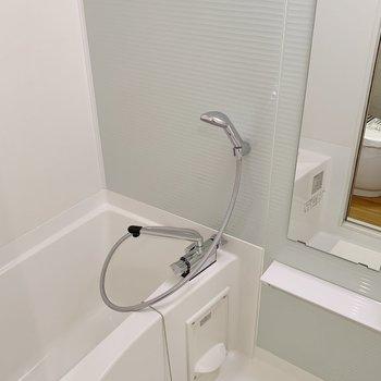 今日もたくさん楽器練習したぞ〜お風呂でつかれを癒やして......※写真は3階の同間取り別部屋のものです