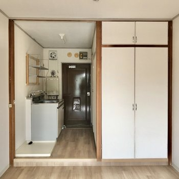 洋室と廊下は仕切りを作れますよ。