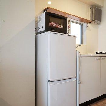 冷蔵庫はこちらに