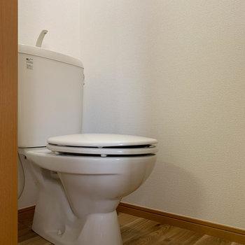トイレも独立しております。