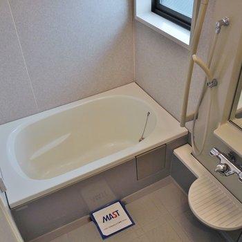 窓付きのバスルーム※写真は同タイプの別部屋