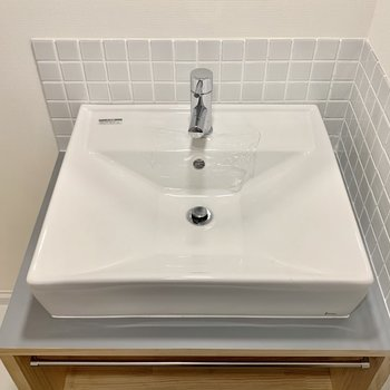 造作の洗面台はタイルが可愛さを増幅させます