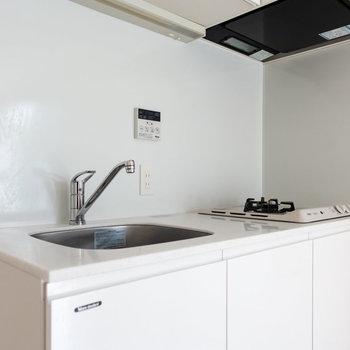 清潔感のあるキッチン。※写真は通電前のものです。
