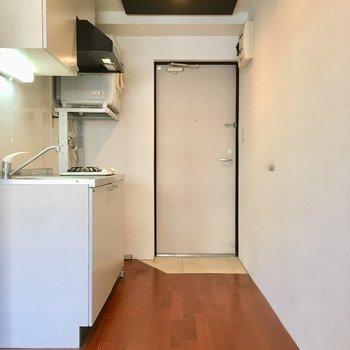 廊下にシューズクローゼット置けるかも。※写真は3階の反転間取り別部屋のものです