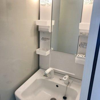 洗面台はシンプル