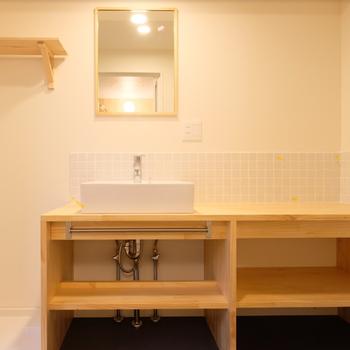 【完成イメージ】大工さんお手製の洗面台※台座部分はグレーになります